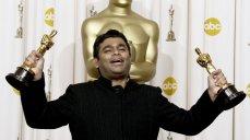 A.R. Rahman holds the Oscars