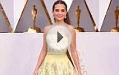 Best Supporting Actress nominee Alicia Vikander wears