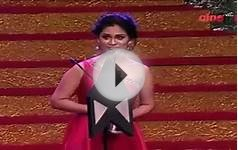 Pooja Umashankar Winning Most Popular Actress Award